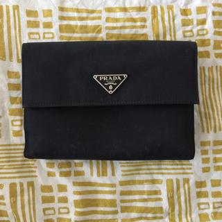プラダ(PRADA)のPRAD 折りたたみ財布 二つ折り(財布)
