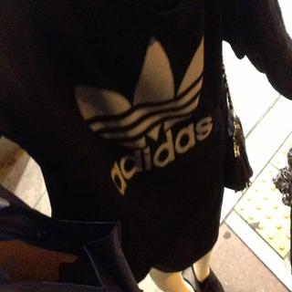 アディダス(adidas)のadidasリメイクパーカー☆(パーカー)