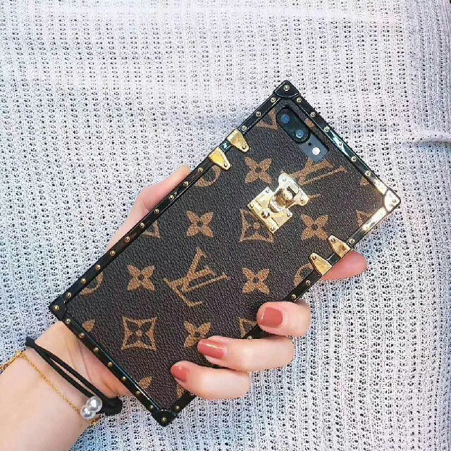 iphone7 ケース 面白い | LOUIS VUITTON - 新品!LV携帯ケース iphonecaseアイフォンケースCS-3の通販 by 田上's shop|ルイヴィトンならラクマ