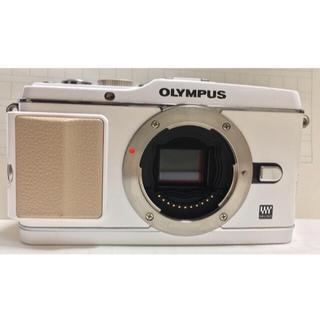 オリンパス(OLYMPUS)のOLYMPUS PEN E-P3 ホワイト レンズ、純正ストラップとケース付(ミラーレス一眼)