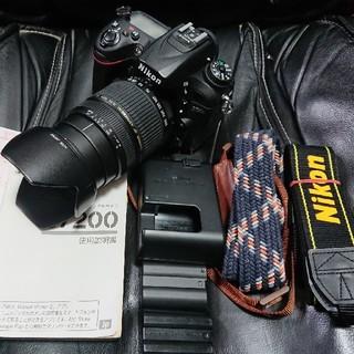 ニコン(Nikon)のNikonニコンD7200,28-300mmレンズセット電池,乾燥剤付防湿容器(デジタル一眼)