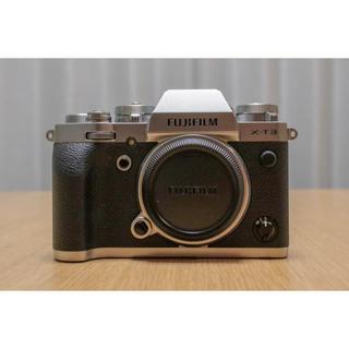 フジフイルム(富士フイルム)の富士フイルムX-T3&XF18-135mm(ミラーレス一眼)