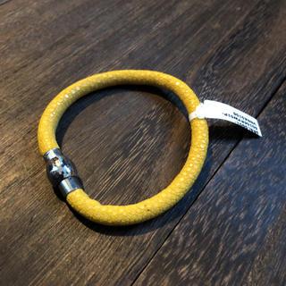 PELGIO 高級スティングレイ・ガルーシャ ブレスレット 黄色(ブレスレット)