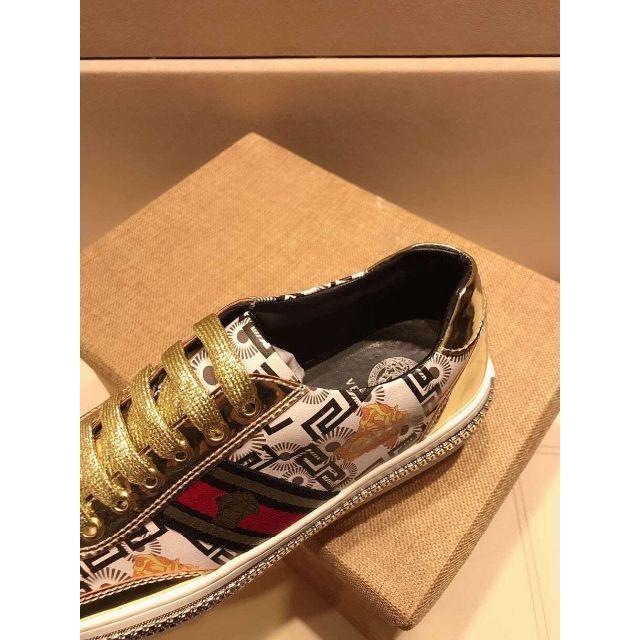 VERSACE(ヴェルサーチ)のVERSACEメンズ カジュアルシューズ 25.5コード メンズの靴/シューズ(スニーカー)の商品写真