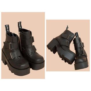 ユニフ(UNIF)のunif プラットフォームベルトブーツ 厚底ブーツ レザー ユニフ(ブーツ)