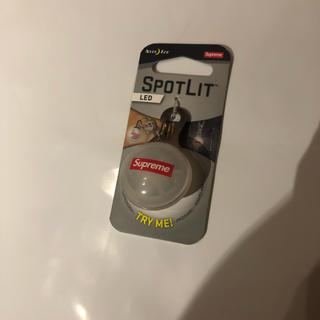 シュプリーム(Supreme)のsupreme  19SS spotlight keychain キーチェーン(キーホルダー)