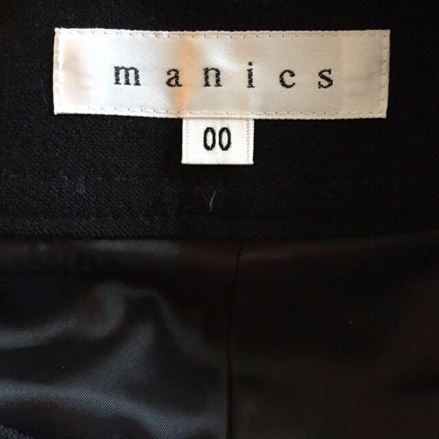 manics(マニックス)のはんぱ丈がかわいい❤︎黒パンツ レディースのパンツ(クロップドパンツ)の商品写真