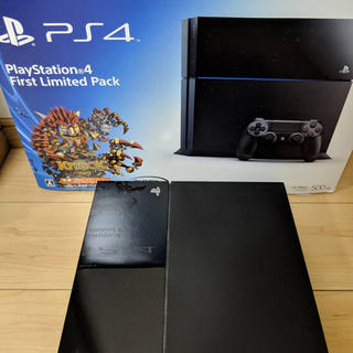 Play Station 4 First Limited Pack プレステ4(家庭用ゲーム本体)