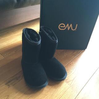 EMUベビー ブーツ未使用