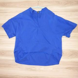 メルロー(merlot)のメルロー 半袖 テールカット スキッパーシャツ ブルー(シャツ/ブラウス(半袖/袖なし))