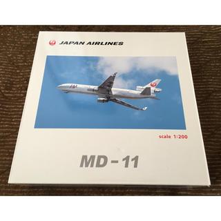 ジャル(ニホンコウクウ)(JAL(日本航空))の【美品】JAL MD-11 Jバード 1/200 + AMX DHC-8-100(模型/プラモデル)