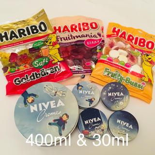 ニベア(ニベア)の【日本未発売】NIVEA  400ml&30ml×4 と ハリボー3種 セット(ハンドクリーム)