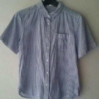 ジーユー(GU)のジーユー ストライプ 半袖 シャツ ブルー(シャツ/ブラウス(半袖/袖なし))