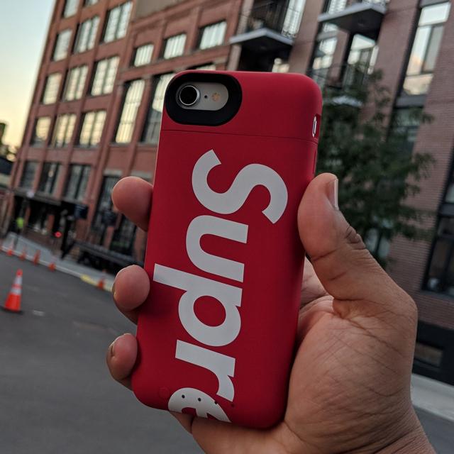 Supreme - Supreme®mophie® iPhone 8 Juice Pack Airの通販