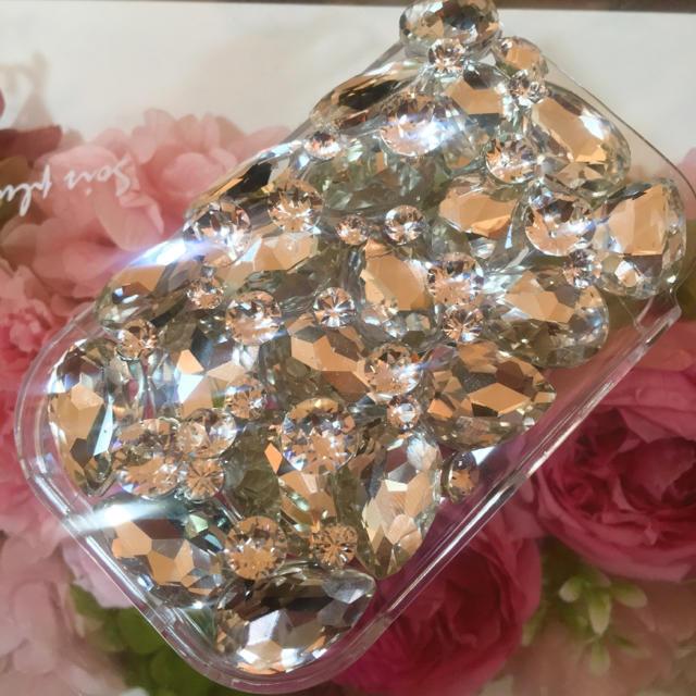 burberry iphone7plus ケース 財布 | キラキラガラスビジュー スワロフスキーアイコスケースの通販 by デコショップ  雅|ラクマ