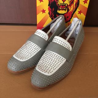 ジェフリーキャンベル(JEFFREY CAMPBELL)の【新品】ジェフリーキャンベル スタッズローファー(ローファー/革靴)