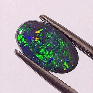 《宝石⚜️ルース》美品✴️天然ブラックオパール ✳️1.674ct 鑑別付。(リング(指輪))
