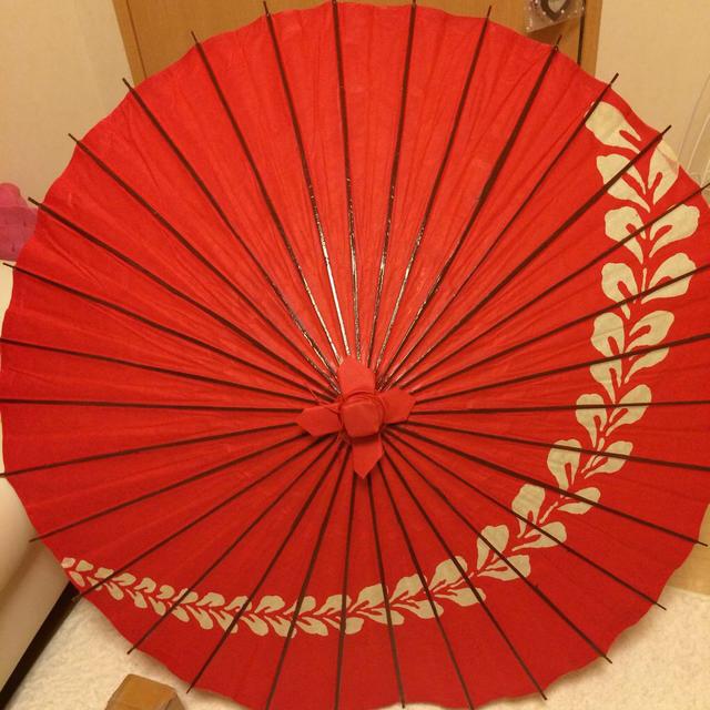 和装 赤の和傘  レディースの水着/浴衣(和装小物)の商品写真