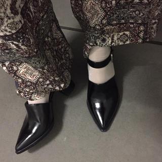 アクネ(ACNE)のRIM.ARK Bubkle belt heel shose(ハイヒール/パンプス)