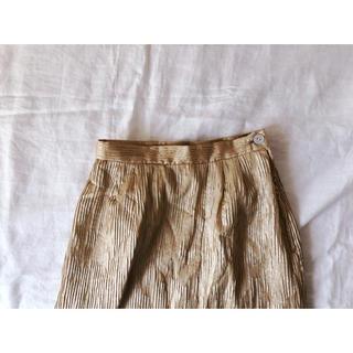 イエローゴールドのスカート(ひざ丈スカート)