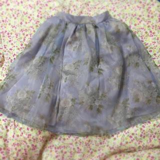 ダズリン(dazzlin)の花柄オーガンジースカート(ひざ丈スカート)