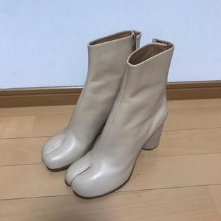 マルタンマルジェラ(Maison Martin Margiela)のマルタン マルジェラ💫足袋ブーツ 39サイズ ベージュ(ブーツ)