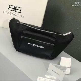 バレンシアガ(Balenciaga)の期間限定値下げ(ボディーバッグ)