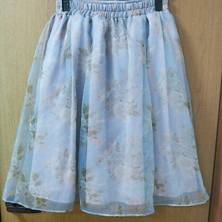 ダズリン(dazzlin)のdazzlin オーガンジースカート(ひざ丈スカート)