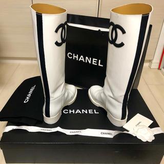 シャネル(CHANEL)のCHANEL レザーブーツ 37 ホワイト (ブーツ)