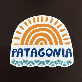 パタゴニア(patagonia)の【縦8.6cm横10.2cm】patagonia パタゴニア   公式ステッカー(ステッカー)