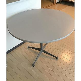 ハーマンミラー(Herman Miller)のイームズ コントラクトベース丸テーブル ハーマンミラー(ダイニングテーブル)