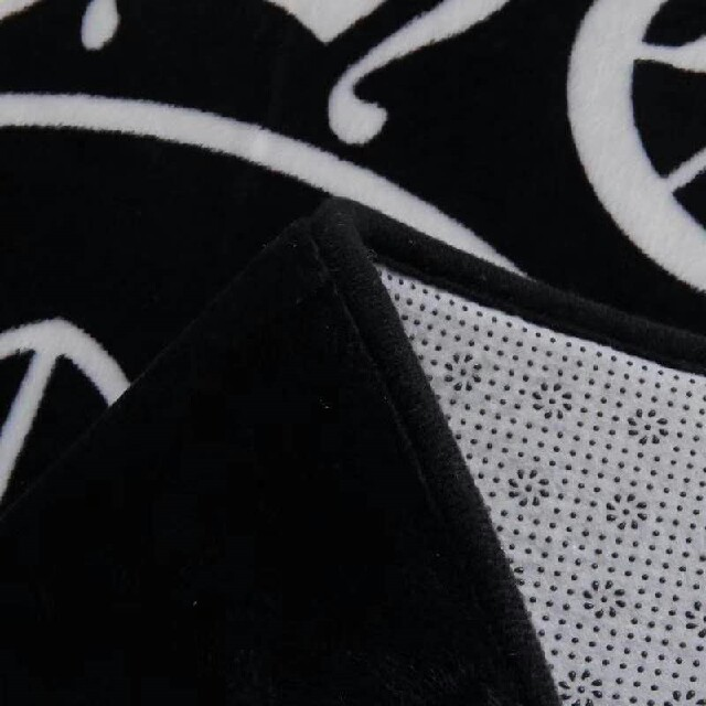 Chrome Hearts(クロムハーツ)の新品! Chrome Hearts カーペット インテリア/住まい/日用品の寝具(シーツ/カバー)の商品写真