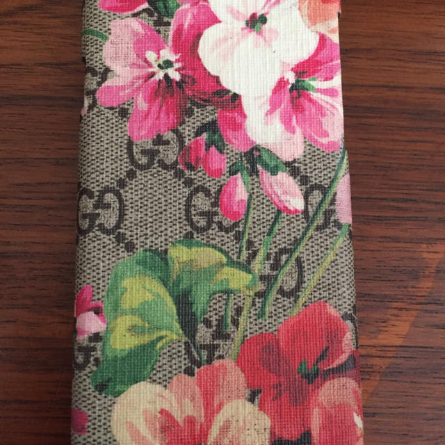 Gucci - グッチ携帯ケースの通販 by nana's shop|グッチならラクマ