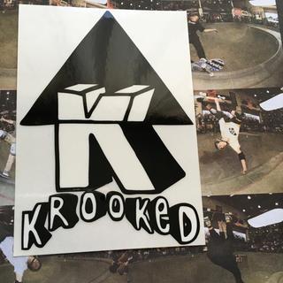 クルキッド(KROOKED)のKROOKEDクルキッドスケートボード限定デザインBOXステッカー(スケートボード)