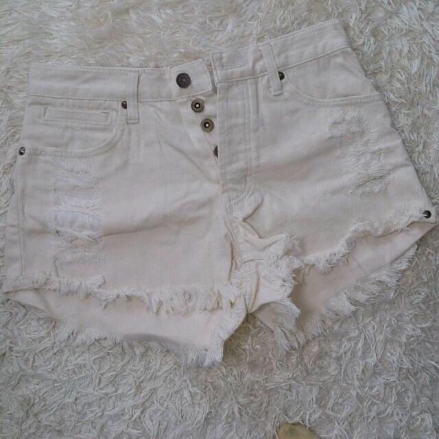Ungrid(アングリッド)のホワイトショーパン レディースのパンツ(ショートパンツ)の商品写真