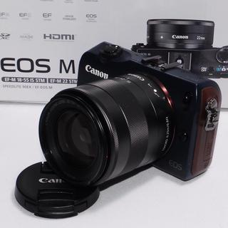 キヤノン(Canon)の❤️思い出たくさん❤️キャノン EOS M 手振補正レンズキット・豪華付属品(ミラーレス一眼)