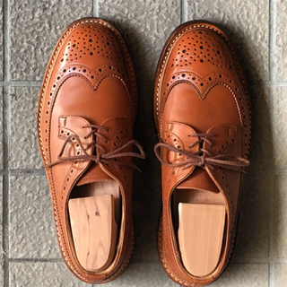 トリッカーズ(Trickers)の美品トリッカーズ  M5164  オレンジ サイズ25.0cm(ドレス/ビジネス)