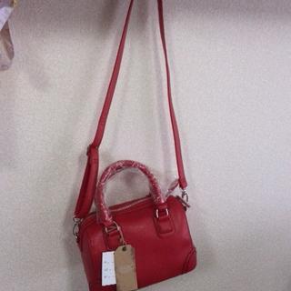 シマムラ(しまむら)の〈未使用〉鮮やかな赤のハンドバ(ハンドバッグ)