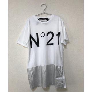 ヌメロヴェントゥーノ(N°21)のN°21 品薄ロゴTシャツ美品(Tシャツ(半袖/袖なし))