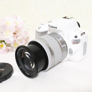 キヤノン(Canon)の❤️大人気❤️Canon EOS kiss x9 レンズキット ホワイト 白(デジタル一眼)