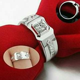 ホワイトサファイアリング(リング(指輪))