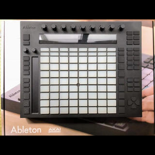 ableton push (MIDIコントローラー)