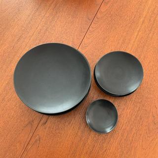 ハクサントウキ(白山陶器)の白山陶器 黒色 皿(食器)