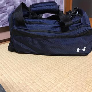 アンダーアーマー(UNDER ARMOUR)のアンダーアーマー スポーツバッグ  紺色  (ボストンバッグ)
