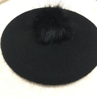 エイチアンドエム(H&M)の【新品】H&M ファー ベレー帽  ブラック(ハンチング/ベレー帽)