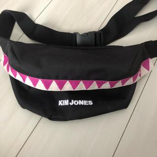 キムジョーンズ(KIM JONES)のキムジョーンズ  gu ウエストバッグ(ウエストポーチ)