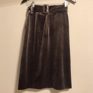 キッカザダイアリーオブ(KIKKA THE DIARY OF)のベルト付きベロアタイトスカート(ひざ丈スカート)