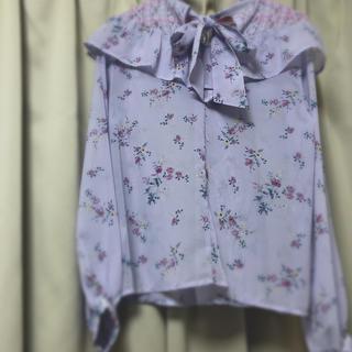 サンゴ(sango)の花柄 ブラウス トップス(シャツ/ブラウス(半袖/袖なし))