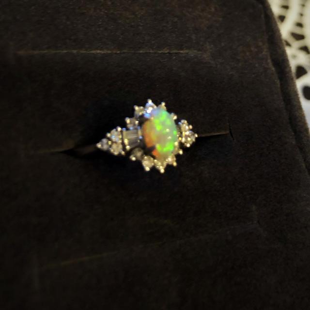 オパールリング★プラチナ レディースのアクセサリー(リング(指輪))の商品写真