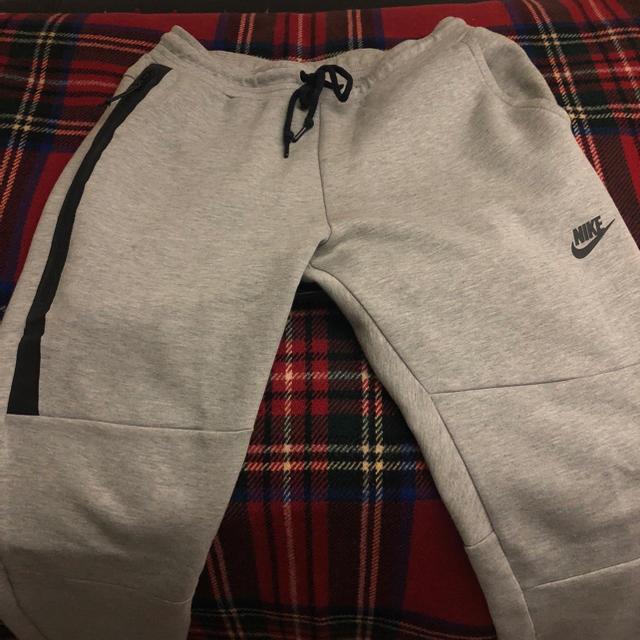 NIKE(ナイキ)のUSED ナイキ テックフリース ジョガーパンツ Mサイズ メンズのパンツ(サルエルパンツ)の商品写真